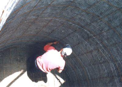 Construcción de cisternas subterráneos de recolección de agua pluvial, colocación de malla